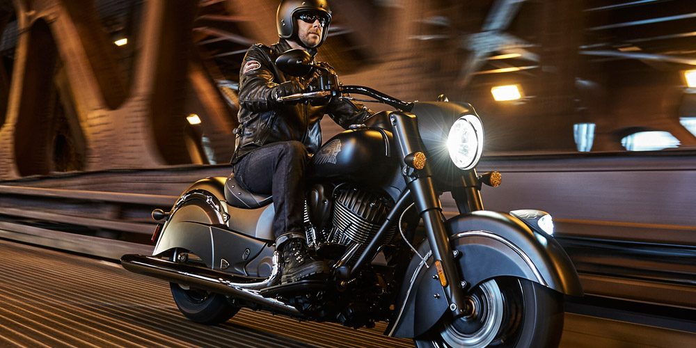 Indian® Chief® Dark Horse - ESTILO BLACK-OUT
